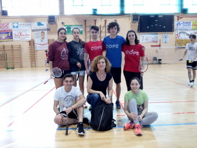 Cope_badminton_squadra_conProfe