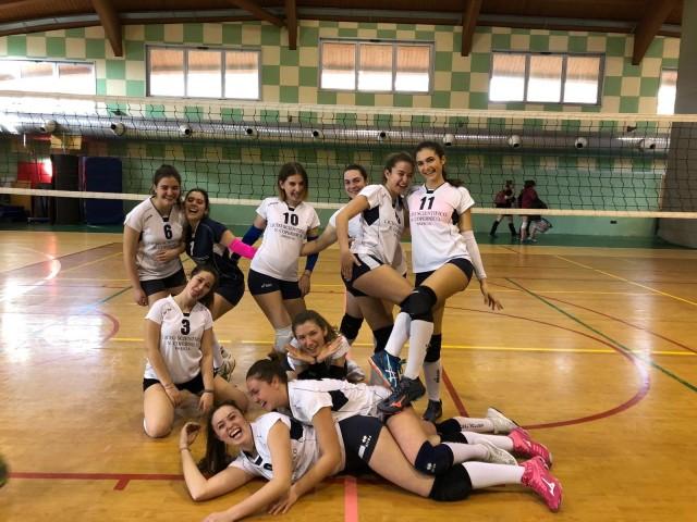 pallavolo-sq-juniores-femm-prima-formazione-18-19-terze